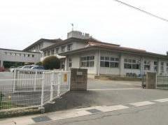 揖西東小学校