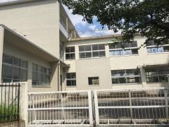 神山小学校