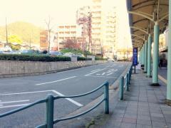 「山科駅」バス停留所