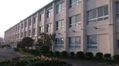 藤山台中学校
