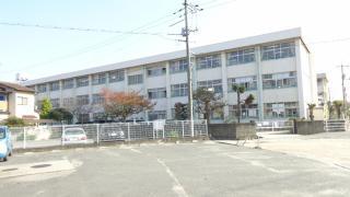 西阿知小学校