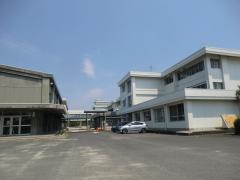 陵南小学校