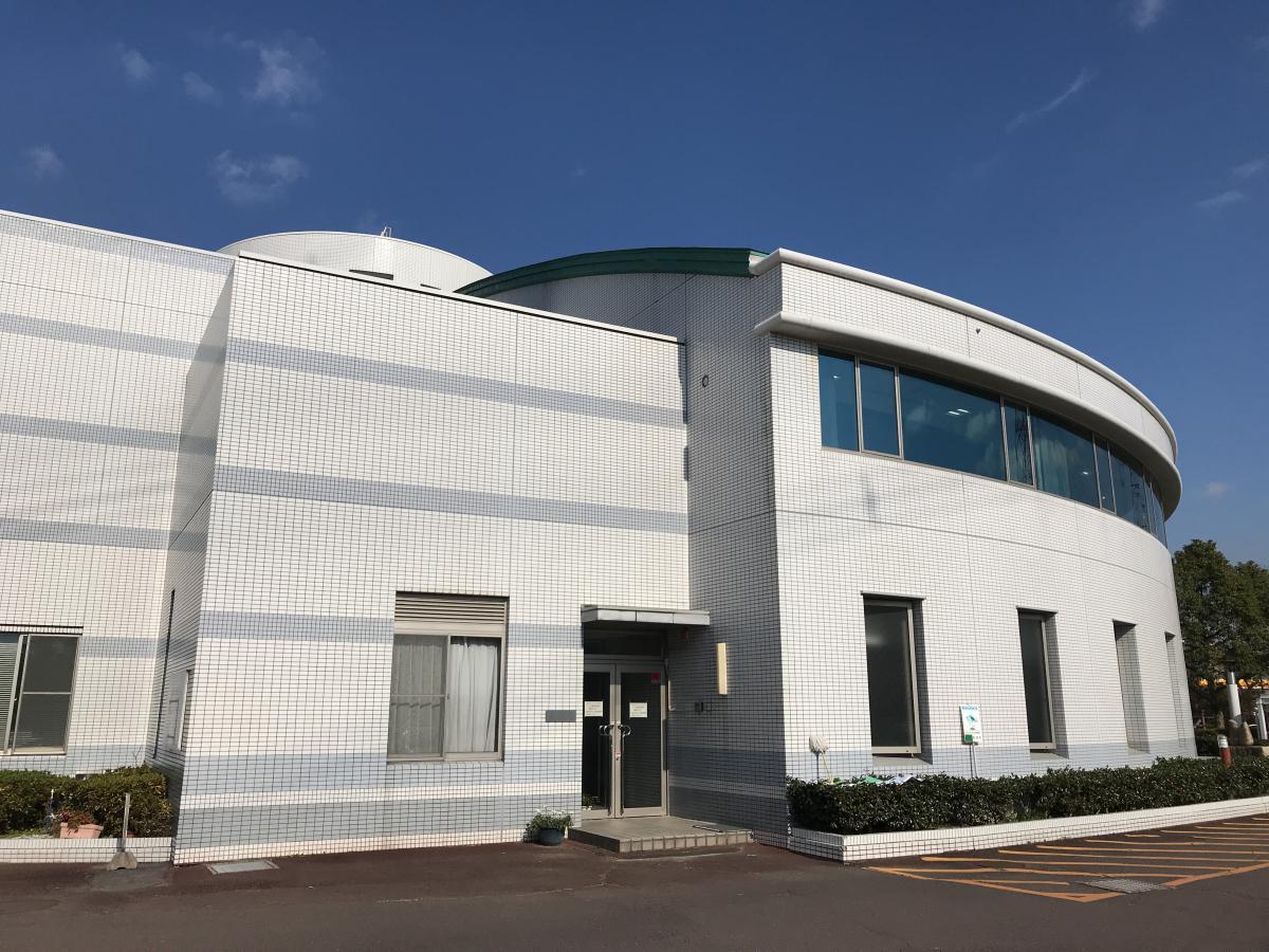 東浦町中央図書館です。