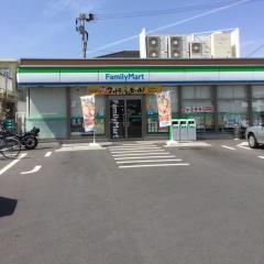 ファミリーマート県立病院西口店