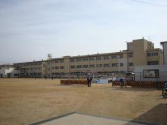 春風小学校