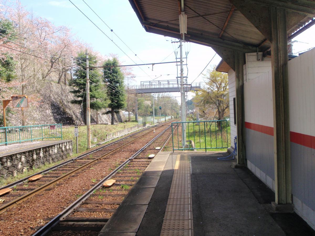 二軒茶屋駅(京都市左京区)の投...