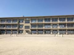 岩津中学校