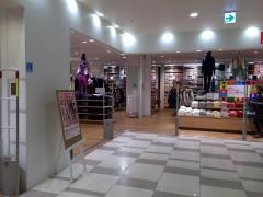 ユニクロ神戸ハーバーランドumie店