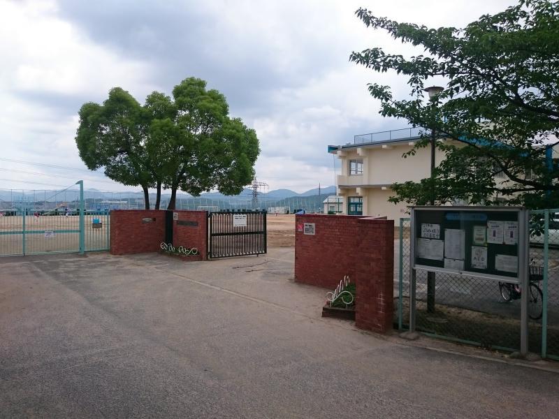 明峰小学校(川西市)の投稿写真...