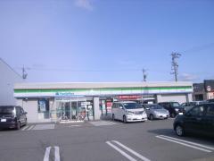 ファミリーマート津幡北中条店