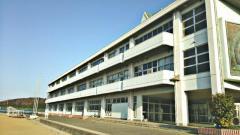 南吉成中学校