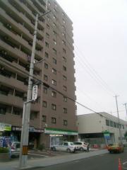 ファミリーマート花京院店