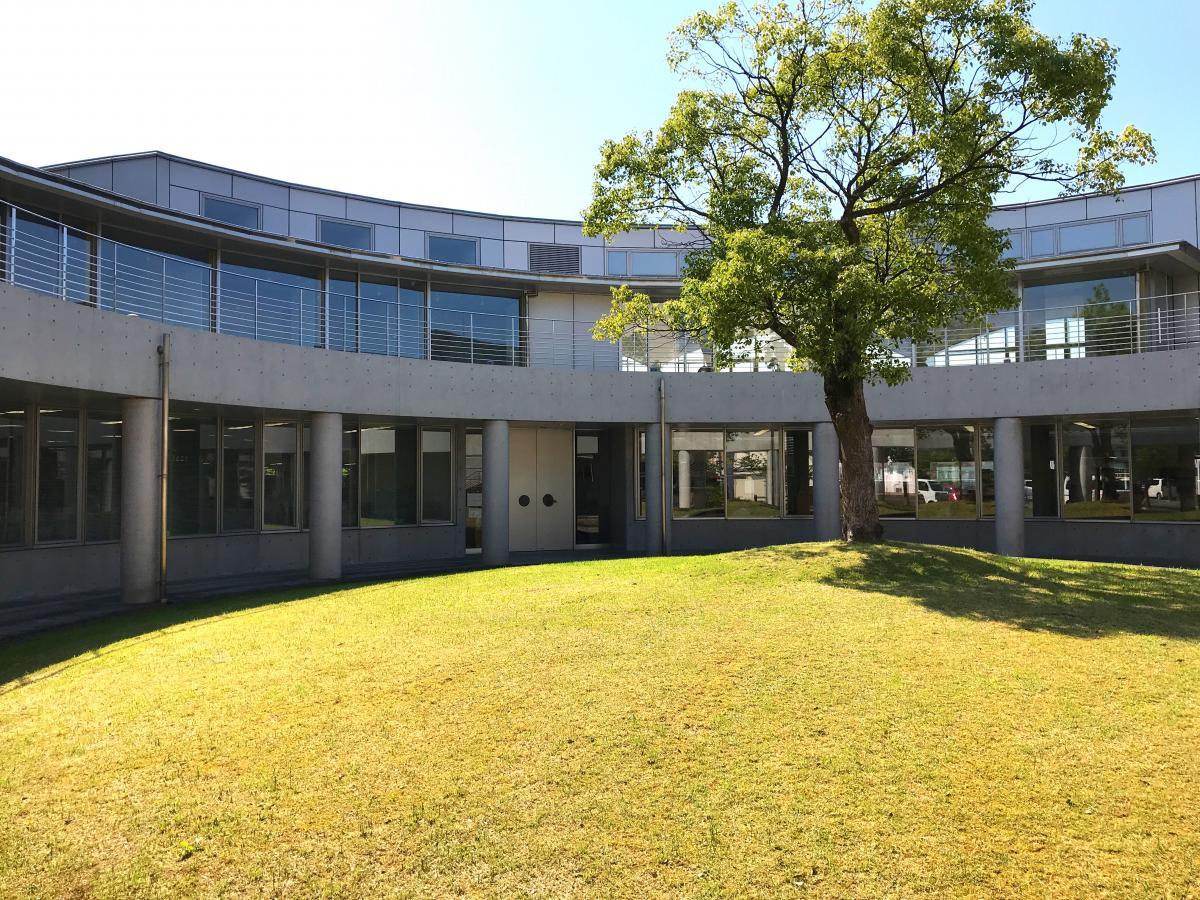大田市中央図書館