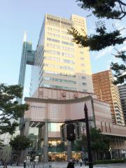 神戸新聞社
