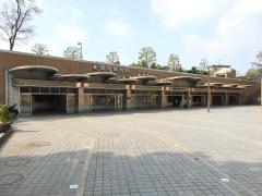 鶴見緑地駅
