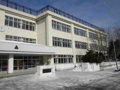 新川西中学校