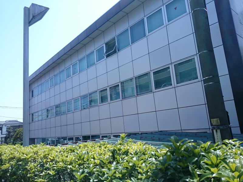 町田税務署外観です。