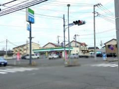 ファミリーマート 水戸堀町店