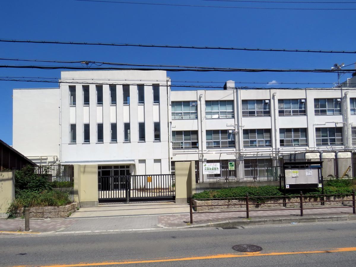 校大阪市平野区瓜破5丁目3-11瓜破小学校
