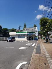 ファミリーマート 長崎油木町店