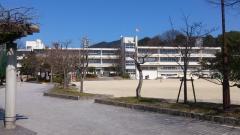 学業院中学校