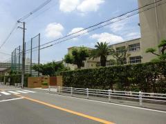長吉中学校