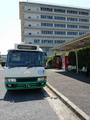 「県総合医療センター」バス停留所