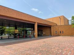 半田市立図書館