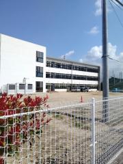 余土中学校