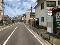 「槻田」バス停留所