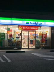 ファミリーマート 高岡戸出店