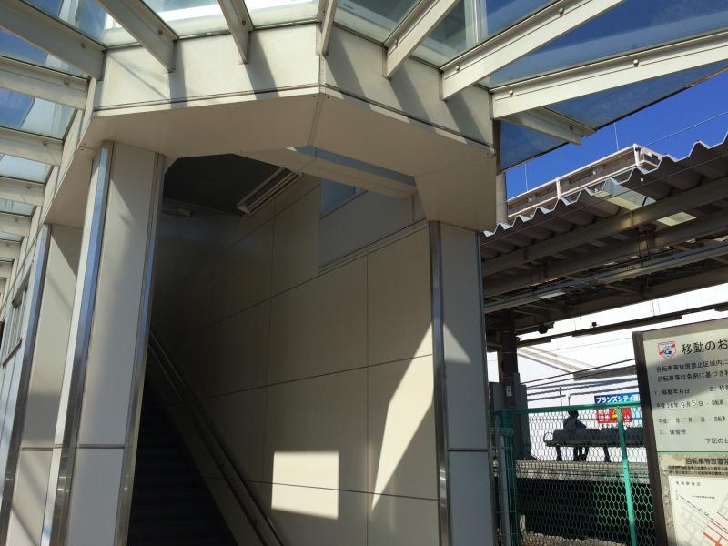 矢部駅入口の写真です。