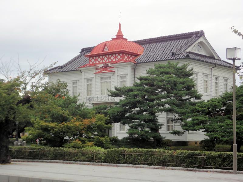 鶴岡公園(鶴ケ岡城跡)