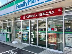 ファミリーマート 石本金山店