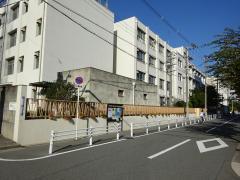 八阪中学校