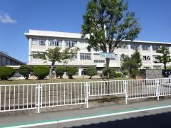 陽明中学校
