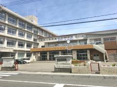 粟野中学校
