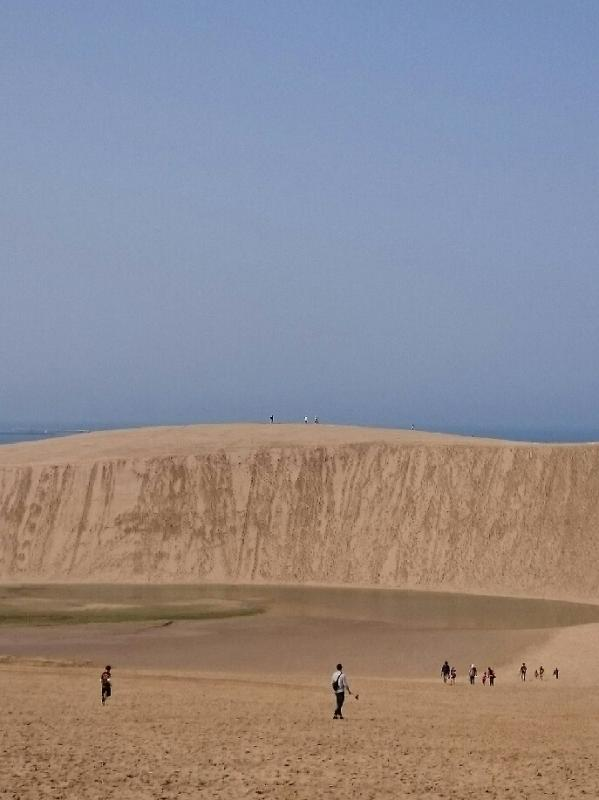 まるで砂の崖