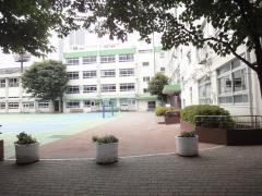 朋有小学校