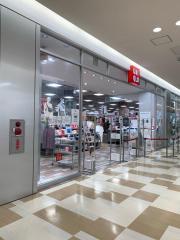 ユニクロ ブルメールHAT神戸店