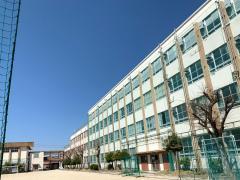 日比津中学校