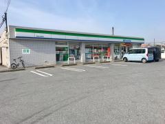 ファミリーマート 多賀大社駅前店