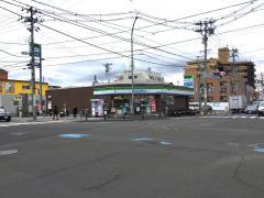 ファミリーマート 宮町四丁目店