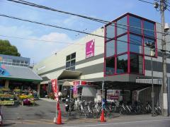 カンセキ駅東店